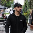 Joe Jonas is spotted out in Los Angeles, California on January 10, 2017 - 422 x 600