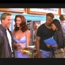 Lochlyn Munro, Shannon Elizabeth, Shawn Wayans, Regina Hall and Anna Faris in a movie scene of Dimension's Scary Movie - 2000