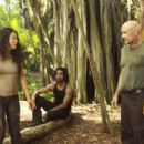 Evangeline Lilly as Kate, Naveen Andrews as Sayid and Terry O´Quinn as Fake John Locke on Lost (Ep.6x08 - Recon) - 454 x 302