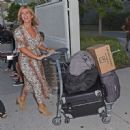 Kate Garraway – Arrives at Brisbane Airport in Australia - 454 x 449