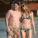 Sarah Hyland with Ashley Newbrough and Ciara Robinson – Seen on the beach in Cancun