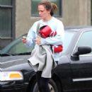 Jennifer Garner – Leaving a boxing class in Los Angeles - 454 x 649