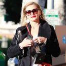 Cameron Diaz in Black Coat – Christmas Shopping in Beverly Hills