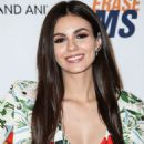 Victoria Justice – 2018 Race to Erase MS Gala in Los Angeles - 454 x 636