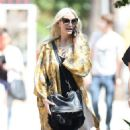 Ashlee Simpson – Shopping candids at Urban Outfitters in Los Angeles - 454 x 791
