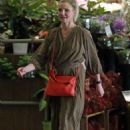 Cameron Diaz – Heads to the supermarket in Los Angeles