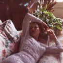 Kate Moss - Vogue Magazine Pictorial [France] (September 2018) - 454 x 585