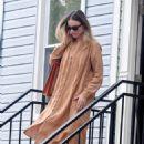 Margot Robbie – Visiting a friend in Brooklyn