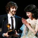 Grammys 2013: Singer Wins Best Alternative Music Album, Best Pop Duo/Group Performance - 454 x 303