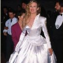 The 62nd Annual Academy Awards - Kim Basinger (1990) - 296 x 435