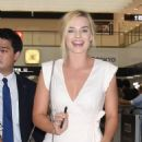 Margot Robbie Arrives at Airport in Tokyo 08/24/2016 - 454 x 644