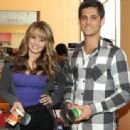 debby ryan and jean-luc bilodeau Buddies frontières - 454 x 337