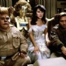Bill Pullman, Daphne Zuniga, Lorene Yarnell and John Candy in Spaceballs (1987) - 454 x 303