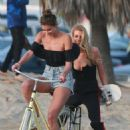 Stella Maxwell and Taylor Hill – Photoshoot for Victoria's Secret in Venice Beach - 454 x 682