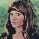 Natalya Varley - Film Magazine Pictorial [Poland] (12 October 1975) - 410 x 393