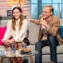Elizabeth Olsen and Paul Bettany on 'Lorraine' TV show in London - 454 x 534