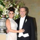 Juan Collado and Yadhira Carrillo - 435 x 580