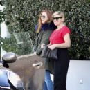 Isla Fisher at Ciccones in Los Angeles - 454 x 604