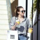 Elizabeth Olsen – Getting Coffee in Los Angeles