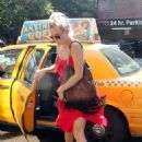 Kate Hudson exiting a cab in New York City (July 17)