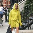 Hailey Baldwin – Out and about in New York City - 454 x 681