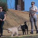 Kristen Stewart and Sara Dinkin - 454 x 255