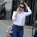 Rachel Weisz in Jeans – Walking in Soho in New York City 10/18/2016 - 454 x 789