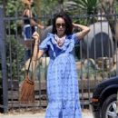 Abigail Spencer – Sets up her floral company at the farmer's market in Montecito - 454 x 616