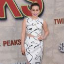 Mae Whitman – Showtime's 'Twin Peaks' Premiere in Los Angeles - 454 x 673