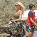 Victoria Silvstedt – Seen arriving at club 55 in Saint Tropez