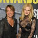Keith Urban and Nicole Kidman : 2017 CMT Music Awards - 454 x 301