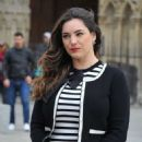 Kelly Brook – Filming in Paris - 454 x 681