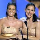 Jennifer Garner, here next to her $tunt Double,  Shauna Duggins
