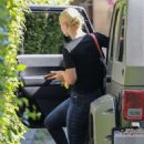 Iggy Azalea – Visits a friends house in Hollywood