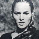 Ursula Andress - 454 x 459