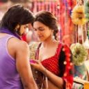 Goliyon Ki Rasleela Ram-Leela : Movie Stills - 454 x 275