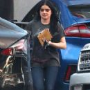 Ariel Winter – Leaving the store in Sherman Oaks