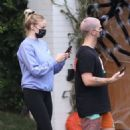 Sophie Turner – Seen while out with her family in Los Angeles - 454 x 460