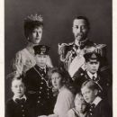 Queen Mary and King George V - 408 x 640