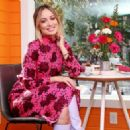 Olivia Wilde – Helps bring the slogan 'America Runs On Dunkin' to life in NY
