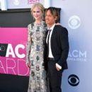Nicole Kidman and Keith Urban : 2017 ACM Awards - 405 x 600