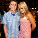 Frankie Muniz and Hilary Duff
