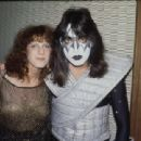 Ace & Jeanette backstage Tokyo, Japan, March 28 - April 2, 1978 - 454 x 311