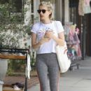 Emma Roberts – Arriving to Cycle House Spinning Class in Studio City