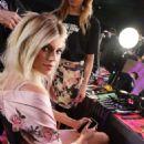 Devon Windsor – Victoria's Secret Fashion Show Backstage 2017 in Shanghai - 454 x 681
