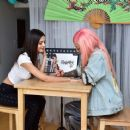 Victoria Justice – Getting a Temporary Tattoo in Los Angeles 04/09/2019 - 454 x 369