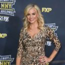Jessica Collins – 'It's Always Sunny In Philadelphia' Premiere in Hollywood - 454 x 689