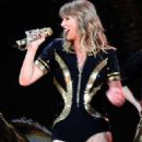 Taylor Swift – Performs on 'Reputation' Tour in Glendale