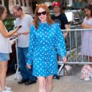 Julianne Moore – Arrives at Kelly And Ryan show in New York City - 454 x 669
