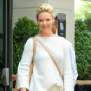 Katherine Heigl – Leaves a hotel in New York - 454 x 681